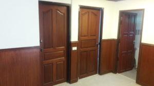these 2 doors need matching handles